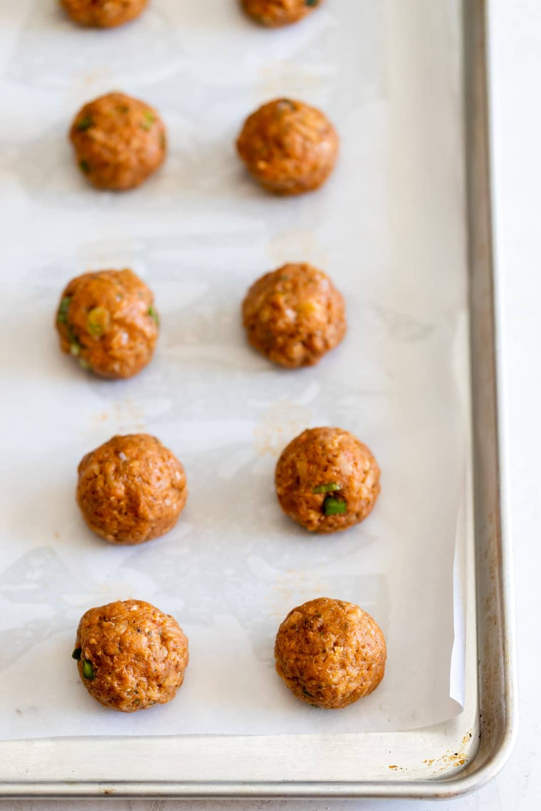 Easy to make, moist, flavorful, and healthy turkey meatballs made with few ingredients and no breadcrumbs. Ready in just 10 minutes!