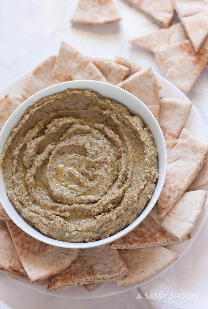 5-Minute Kalamata Olive Hummus